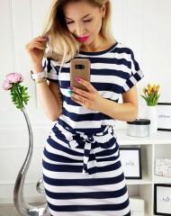 Triibuline taskudega mugav kleit (XL)