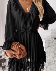 Mitmekihiline must reguleeritava dekolteega lendlev kleit (L)