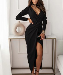 Pikkade varrukate ja sügava lõhikuga must pidulik kleit (S/M)